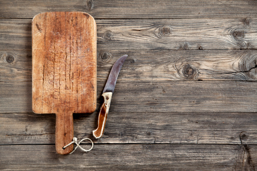 Kitchen Utensil「Old cutting board and knife」:スマホ壁紙(3)