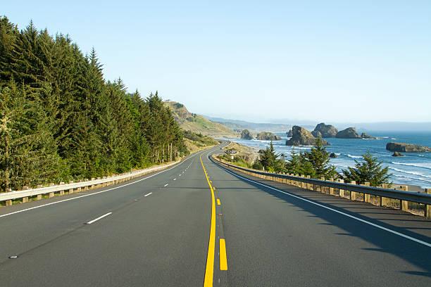Highway 101 along the Oregon Coast.:スマホ壁紙(壁紙.com)