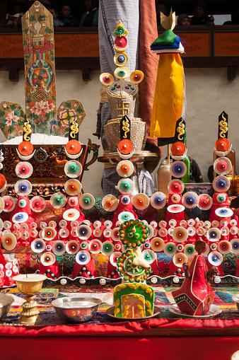 Thyangboche Monastery「Courtyard altar w torma flour and butter offerings」:スマホ壁紙(3)