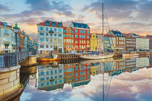 Copenhagen「Nyhavn, Copenhagen, Denmark」:スマホ壁紙(2)