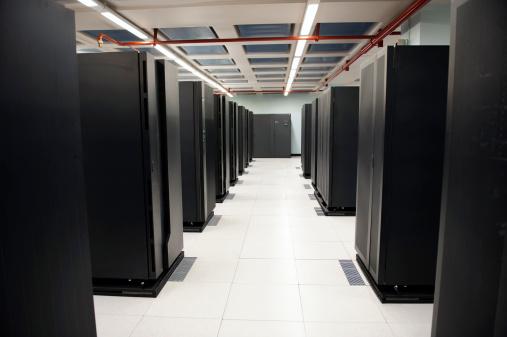 Data Center「Servers in the data center」:スマホ壁紙(16)