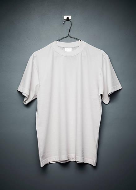 T-shirt:スマホ壁紙(壁紙.com)