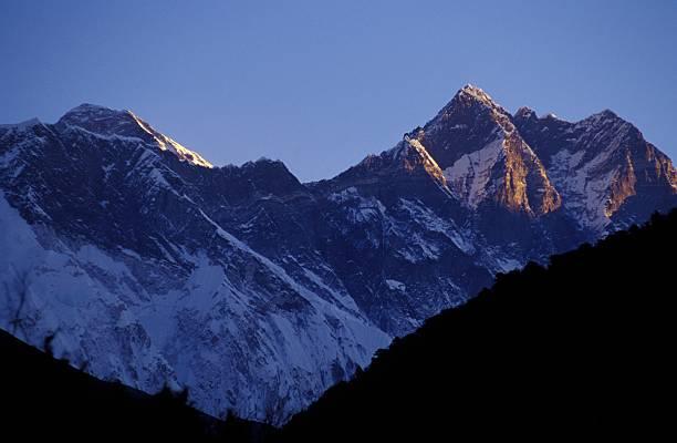 Mountain range:スマホ壁紙(壁紙.com)