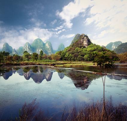 Guilin Hills「Mountain range in Guilin」:スマホ壁紙(0)
