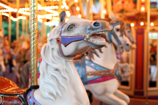 Traveling Carnival「Colorful Holiday Carousel Horse - XXXLarge」:スマホ壁紙(17)