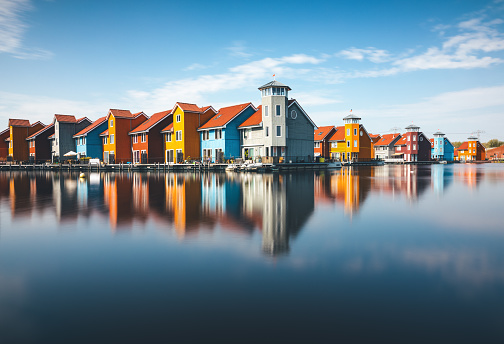 Water Surface「Colorful Houses In Groningen」:スマホ壁紙(12)