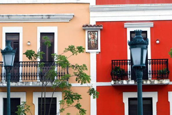 カラフル「Old San Juan the original capital city of San Juan, Puerto Rico.」:写真・画像(4)[壁紙.com]
