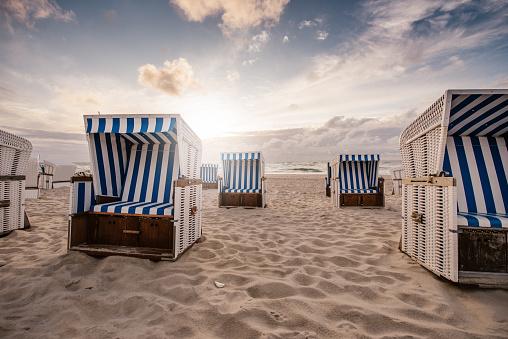 Outdoor Chair「Chairs on beach」:スマホ壁紙(9)