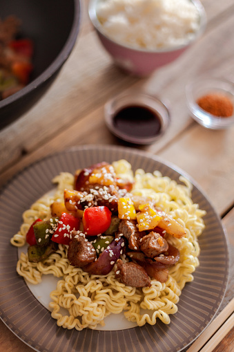 Basmati Rice「Sweet and sour pork with veggies and fruits, served with rice noodles」:スマホ壁紙(7)