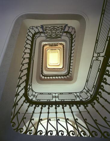 1980-1989「Elegant Staircase」:スマホ壁紙(1)