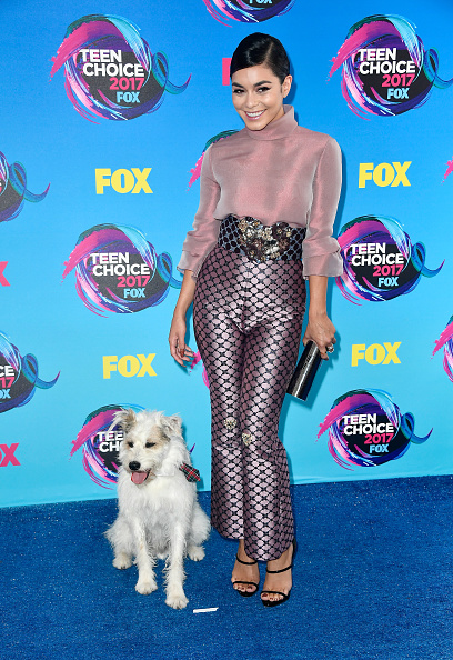 ヴァネッサ・ハジェンズ「Teen Choice Awards 2017 - Arrivals」:写真・画像(7)[壁紙.com]