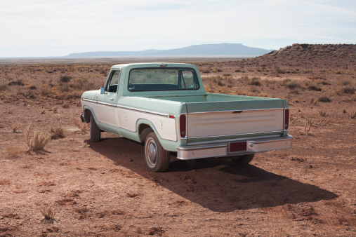 Pick-up Truck「USA, Arizona, Winslow, Pick-up truck on desert」:スマホ壁紙(0)