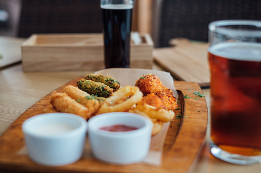 Beer「Deep fried cheese, calamari and falafel bar snacks with beer」:スマホ壁紙(9)