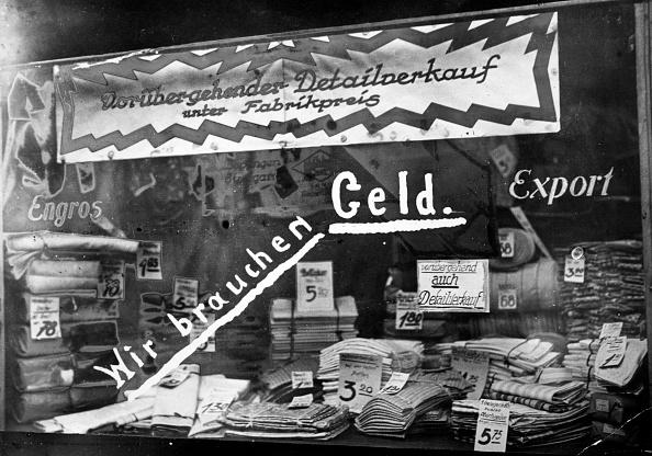 Germany「Money Shortage」:写真・画像(8)[壁紙.com]