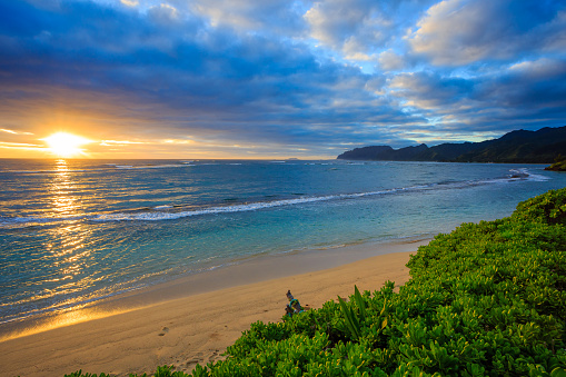 オアフ島「North Shore sunrise, Oahu, Hawaii, America, USA」:スマホ壁紙(1)