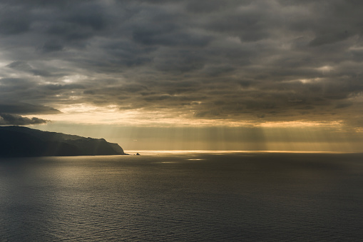 Porto Moniz「North shore with Porto Moniz at sunset」:スマホ壁紙(6)