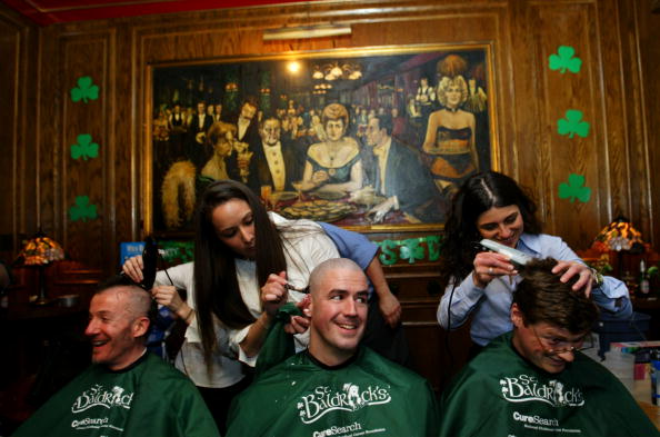 Headshot「New Yorkers Shave Their Heads In Support Of CureSearch」:写真・画像(1)[壁紙.com]