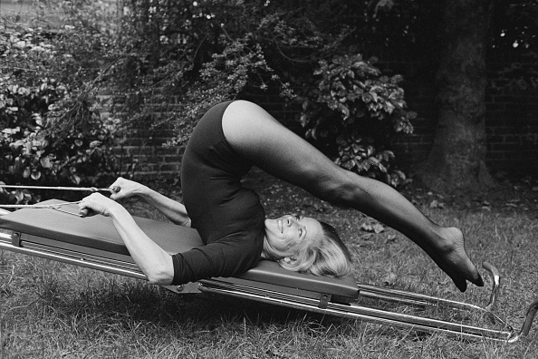 Archival「Exercising On A Keep-Fit Machine」:写真・画像(16)[壁紙.com]