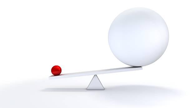 Small ball out balance.:スマホ壁紙(壁紙.com)