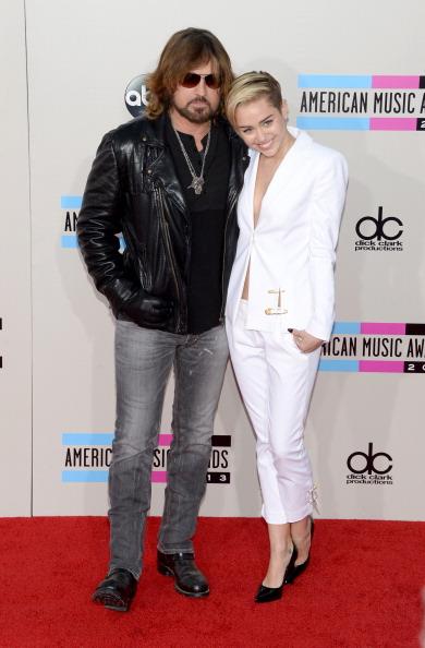 Versace Versus「2013 American Music Awards - Arrivals」:写真・画像(15)[壁紙.com]