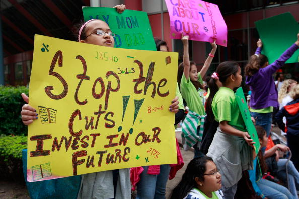 Social Services「Demonstrators Rally Against Proposed Budget Cuts For The State」:写真・画像(6)[壁紙.com]
