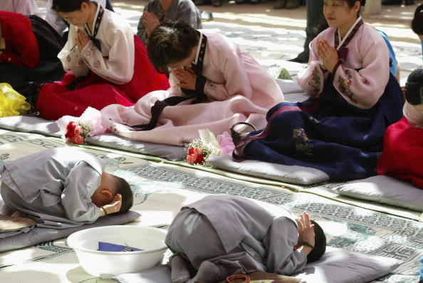 Start Button「Children Become Buddhist Monks In A Ceremony In Seoul」:写真・画像(12)[壁紙.com]