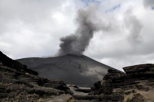Basalt「September 4, 2006 - Yasur eruption, Tanna Island, Vanuatu.」:スマホ壁紙(11)