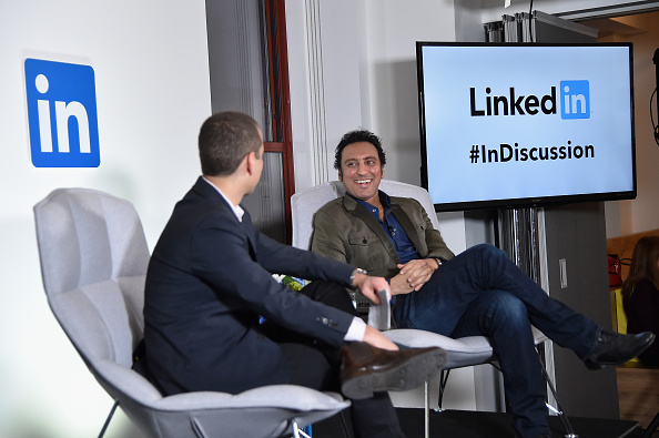 Interview - Event「LinkedIn Discussion Series: Executive Editor Dan Roth Interviews The Daily Show's Aasif Mandvi At LinkedIn NY」:写真・画像(18)[壁紙.com]
