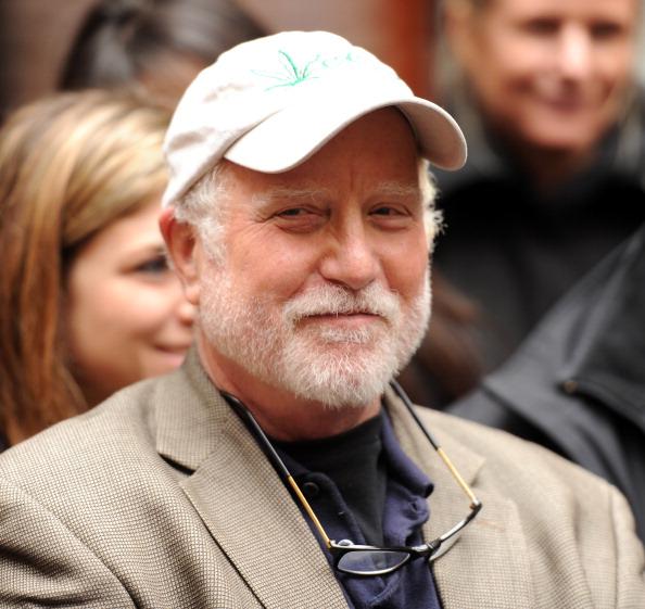 Stephen Lovekin「Gray Line New York's Ride Of Fame Honors Actor Richard Dreyfuss」:写真・画像(19)[壁紙.com]
