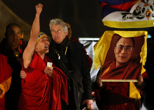 Justin Sullivan「Protestors Rally As Olympic Torch Arrives In San Francisco」:写真・画像(12)[壁紙.com]