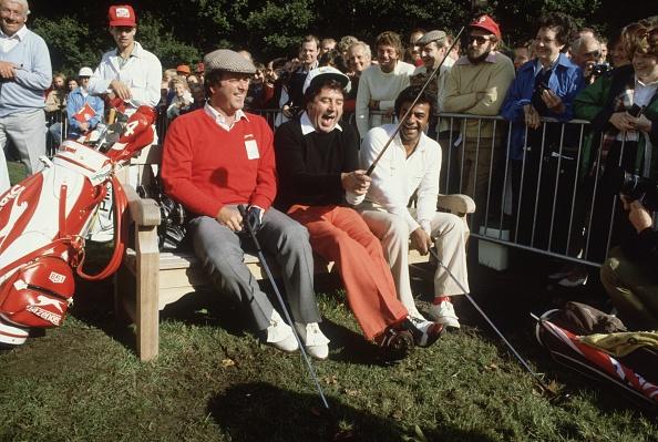 Social Issues「Three Golfers」:写真・画像(5)[壁紙.com]