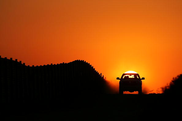 Wilderness Area「US-Mexico Border Fence Impacts Borderlands Environment」:写真・画像(18)[壁紙.com]