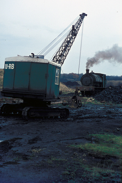 Construction Equipment「A scene on the Nassington ironstone mine in Northamptonshire with one of the system's 16 Hunslet 0-6-0STs. 1970」:写真・画像(0)[壁紙.com]