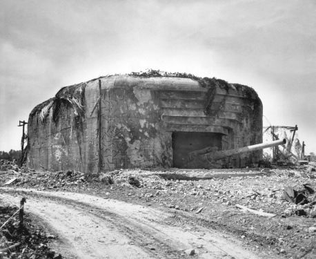 Nazism「Monster Nazi gun battery silenced in France.」:スマホ壁紙(4)