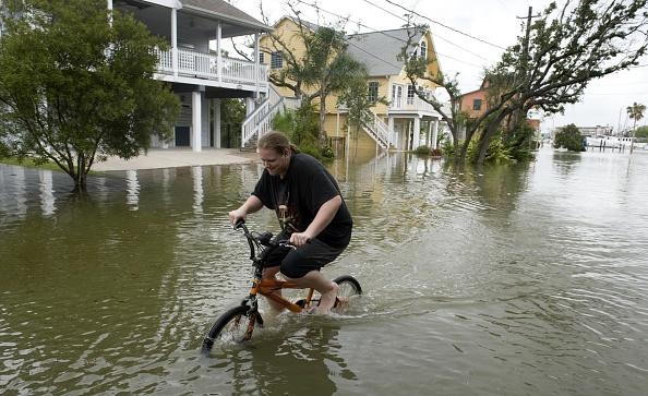 Hurricane Ike「Texas Gulf Coast Prepares For Hurricane Ike」:写真・画像(15)[壁紙.com]