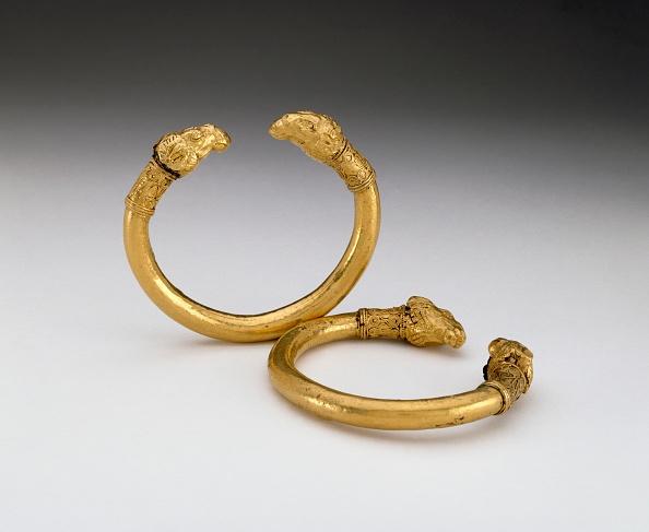 Bracelet「Bracelets」:写真・画像(1)[壁紙.com]