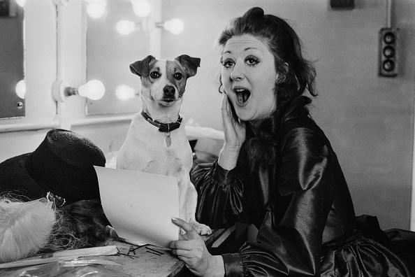 歌う「Peggy Ann Jones」:写真・画像(7)[壁紙.com]