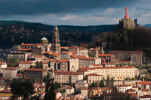 Camino De Santiago「Le Puy-en-Velay cityscape」:スマホ壁紙(15)