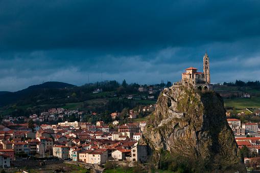 Camino De Santiago「Le Puy-en-Velay cityscape」:スマホ壁紙(7)