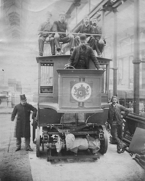 Bus「1891 Parker Electric Omnibus. Creator: Unknown.」:写真・画像(19)[壁紙.com]
