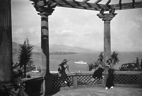 Monte Carlo「On The Balcony」:写真・画像(2)[壁紙.com]