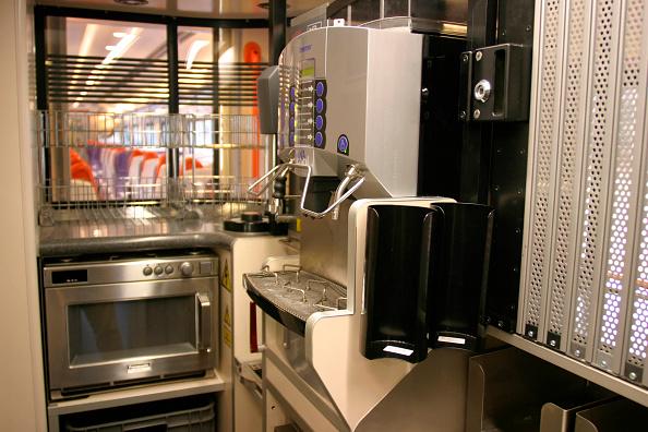 Kitchen「Galley area of Midland Main Line Meridian. 2004」:写真・画像(19)[壁紙.com]