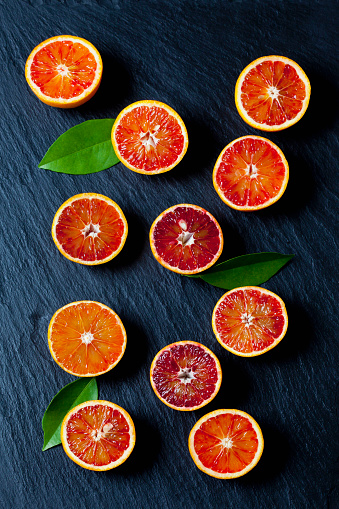Orange - Fruit「Sliced blood oranges on slate」:スマホ壁紙(16)
