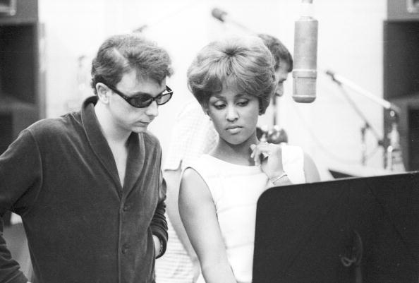 Recording Studio「Music Producer Phil Spector with singer Darlene Love」:写真・画像(5)[壁紙.com]