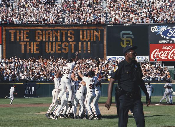 クライミング「San Diego Padres vs San Francisco Giants」:写真・画像(12)[壁紙.com]