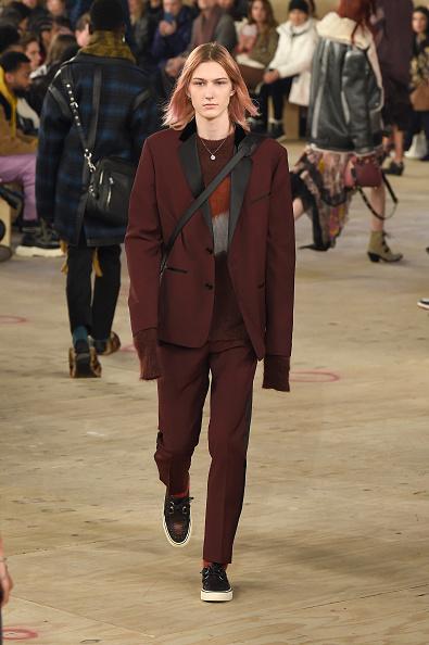 ニューヨークファッションウィーク「Coach 1941 - Runway - February 2019 - New York Fashion Week」:写真・画像(3)[壁紙.com]