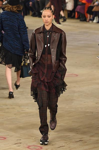 Checked Pants「Coach 1941 - Runway - February 2019 - New York Fashion Week」:写真・画像(13)[壁紙.com]