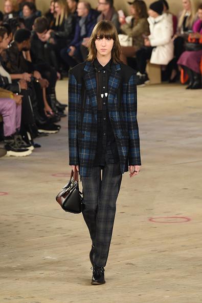 Checked Pants「Coach 1941 - Runway - February 2019 - New York Fashion Week」:写真・画像(14)[壁紙.com]