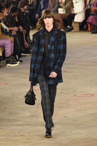 Checked Pants「Coach 1941 - Runway - February 2019 - New York Fashion Week」:写真・画像(19)[壁紙.com]