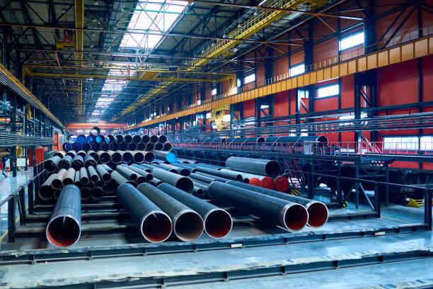 Modern pipe-rolling plant with steel tubes:スマホ壁紙(壁紙.com)